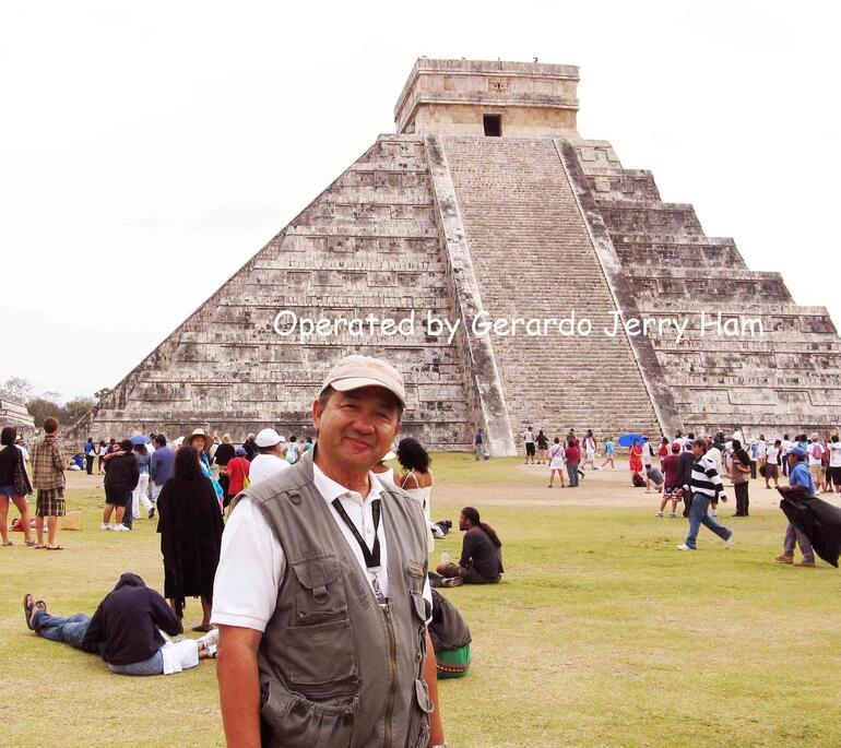 Gerardo in front of the temple - Cancun