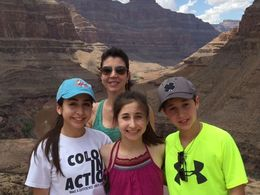 Stopped for lunch in the canyon with the wife and kids! , vincent m - July 2015