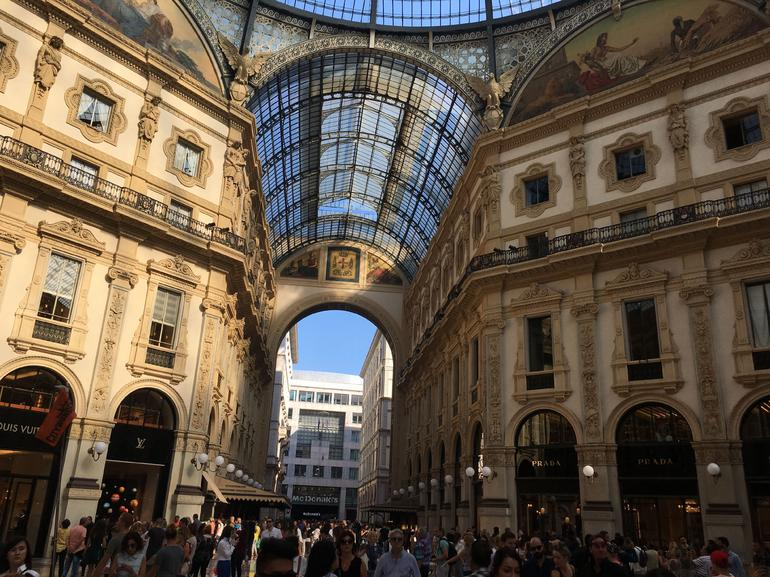 Best of Milan Walking Tour with Skip-the-Line to Duomo & 'Last Supper' photo 17