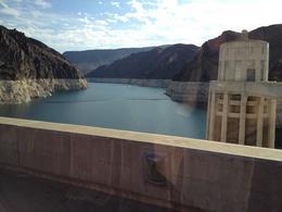 På vejen mod GC gik turen forbi Hoover Dam. Imponerende bygningsværk , Jan S - August 2013