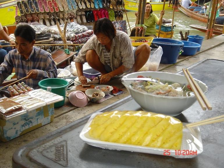 Floating Market in Bangkok - Bangkok