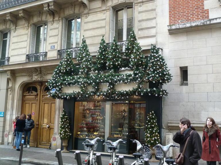 Paris Chocolate and Pastry Food Tour - Paris