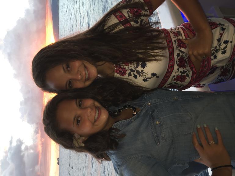 Star Casual Sunset & Show Cruise