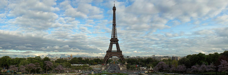 Panoramic view of the Eiffel Tower - Paris