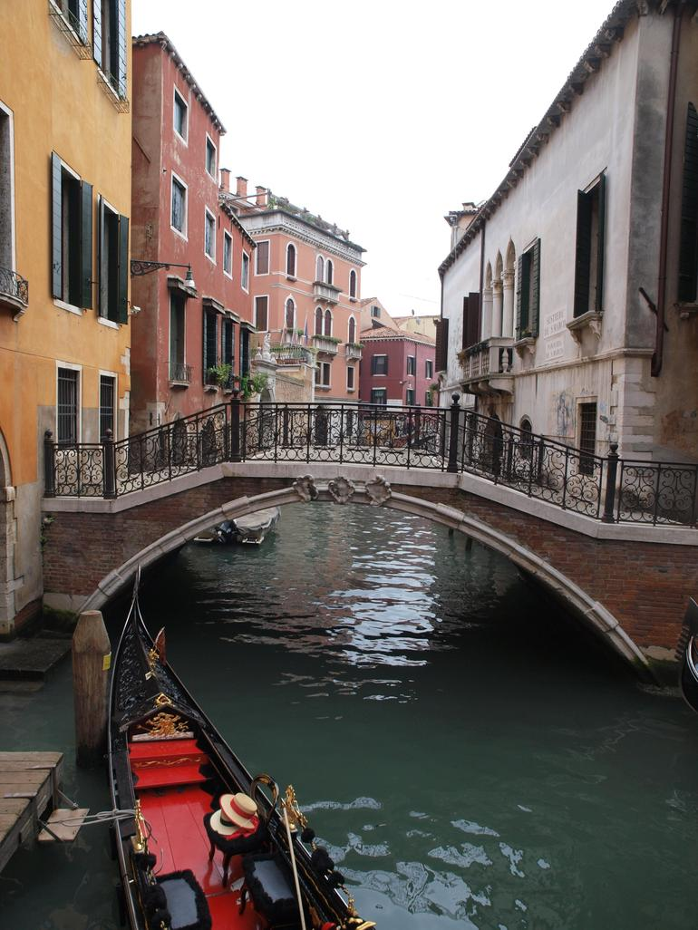 Private Tour: Venice Gondola Ride with Serenade photo 19