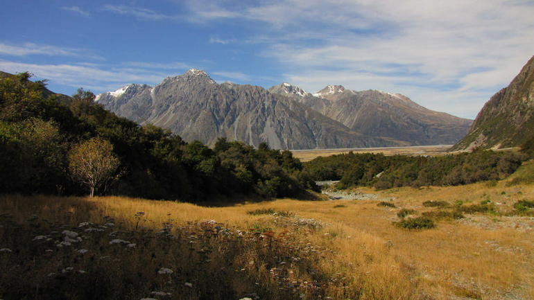 The valley near Mount Cook - Queenstown