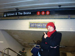 Subway Station going uptown to Harlem , Millie - March 2011