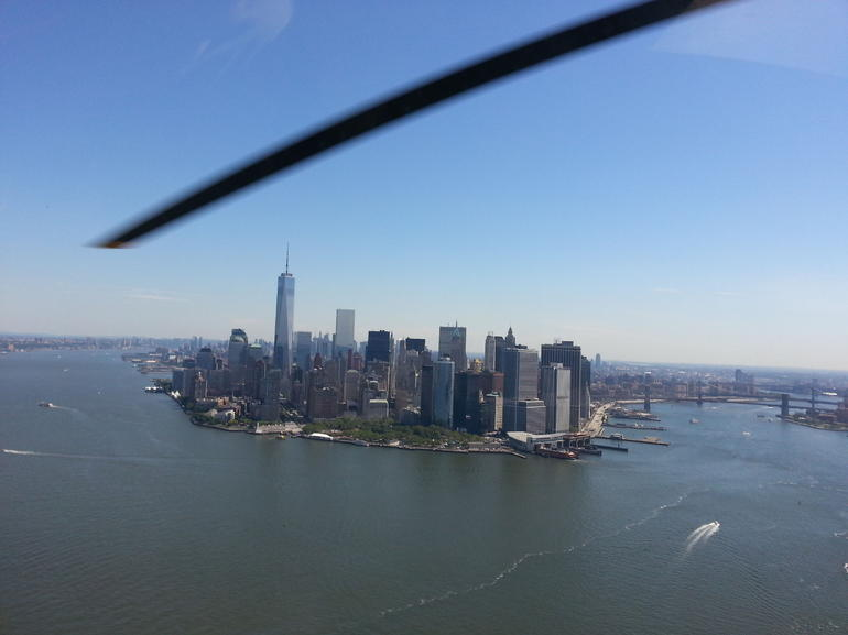 survol-de-new-york-manhattan-en-helicoptere