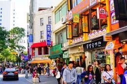 Insadong - cafes and street food , Farris R - September 2017