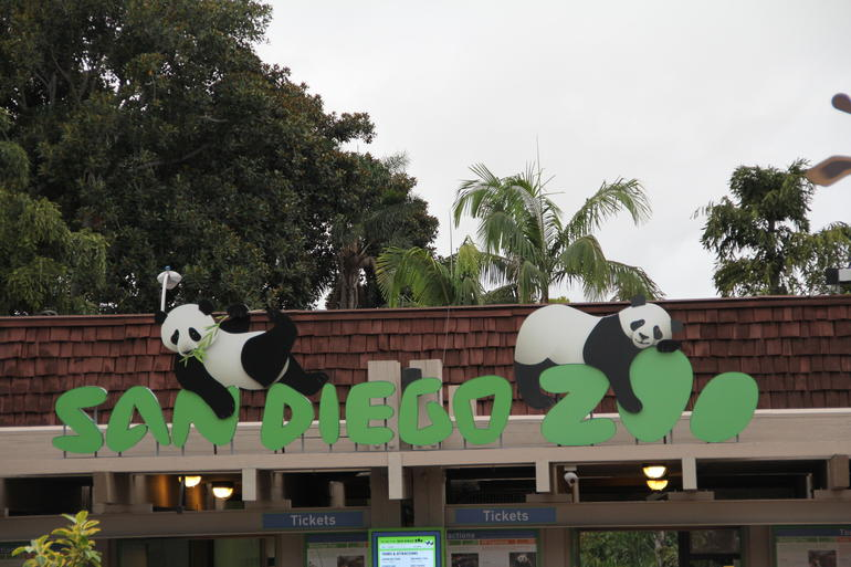 Entrance to San Diego Zoo - Los Angeles
