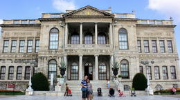 Enjoying our tour at Dolmabahce Palace , milanie - September 2013