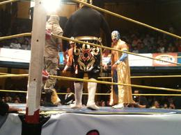 The luchadores are introduced, Fernando Camarate Santos - February 2013