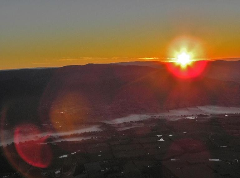 Sunrise Over the Yarra Valley - Melbourne