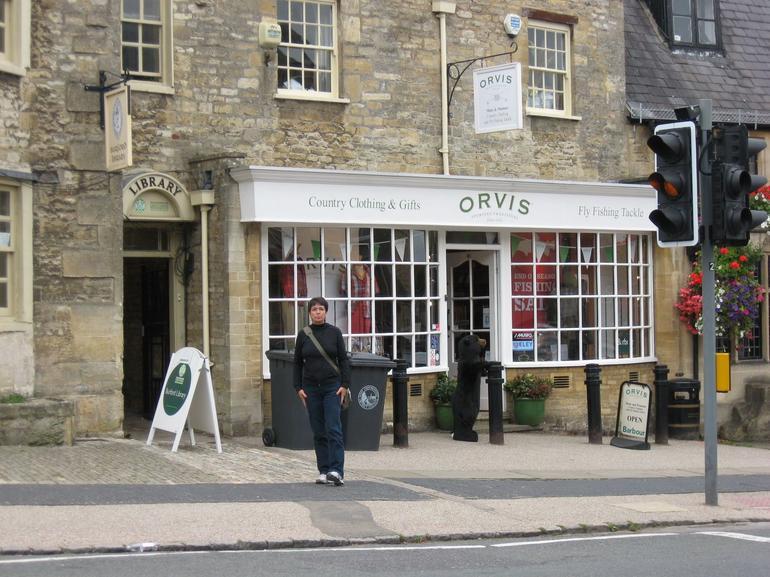 The boss shopping for a Burbary shawl. - London