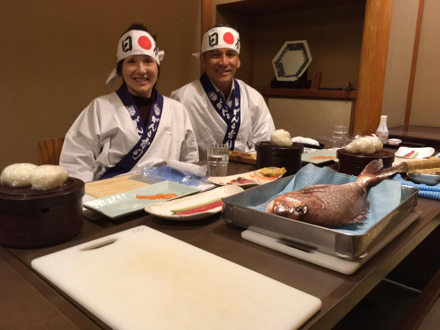 MÁS FOTOS, Tsukiji Fish Market Visit with Sushi Making Experience