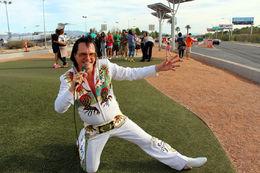 The best Elvis in Las Vegas singing for me , AurelieS - April 2015