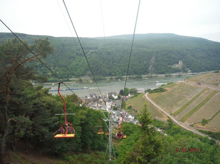 vue-au-dessus-de-ville-visite-de-la-vallee-de-rhin