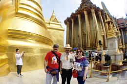 OUR GUIDE, ME and MY WIFE WAT ARUN TOUR , larcy - February 2018