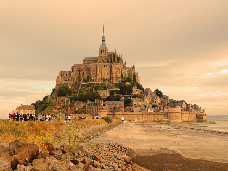 Mont St. Michel - Paris