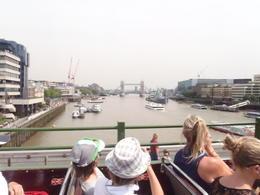 Blick auf die Towerbridge , Renatus W - July 2013