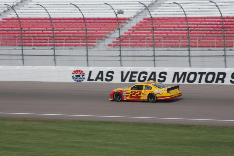 richard petty driving experience at las vegas motor