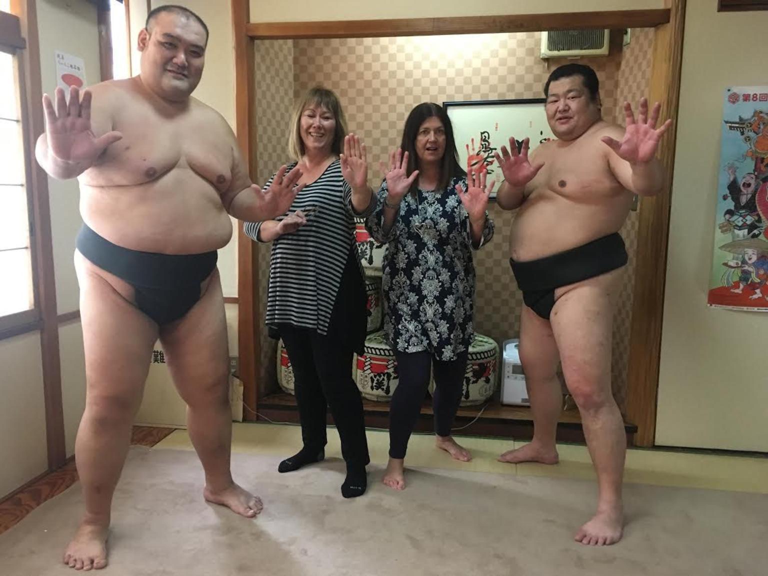 MÁS FOTOS, Desafíe a los luchadores de sumo y disfrute de un almuerzo a base de chanko