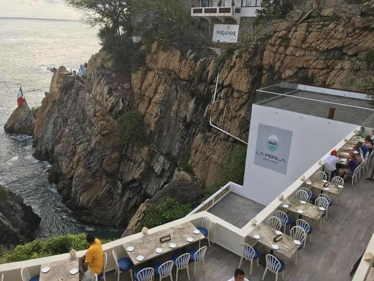 Half-Day Dinner and Cliff Divers Show of La Quebrada in Acapulco photo 12