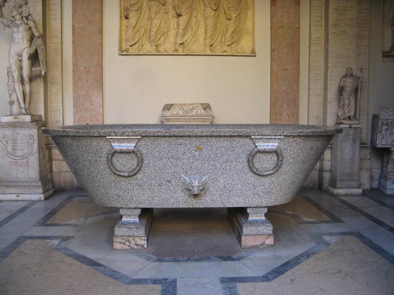 Ancient Roman tub - Rome