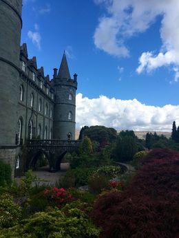 Blick vom Garten auf Inveraray Castle , Alina H - June 2016