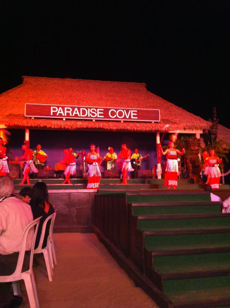 Paradise Cove Luau dancing - Oahu
