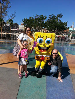 Family pic with SpongeBob, Becky - October 2014