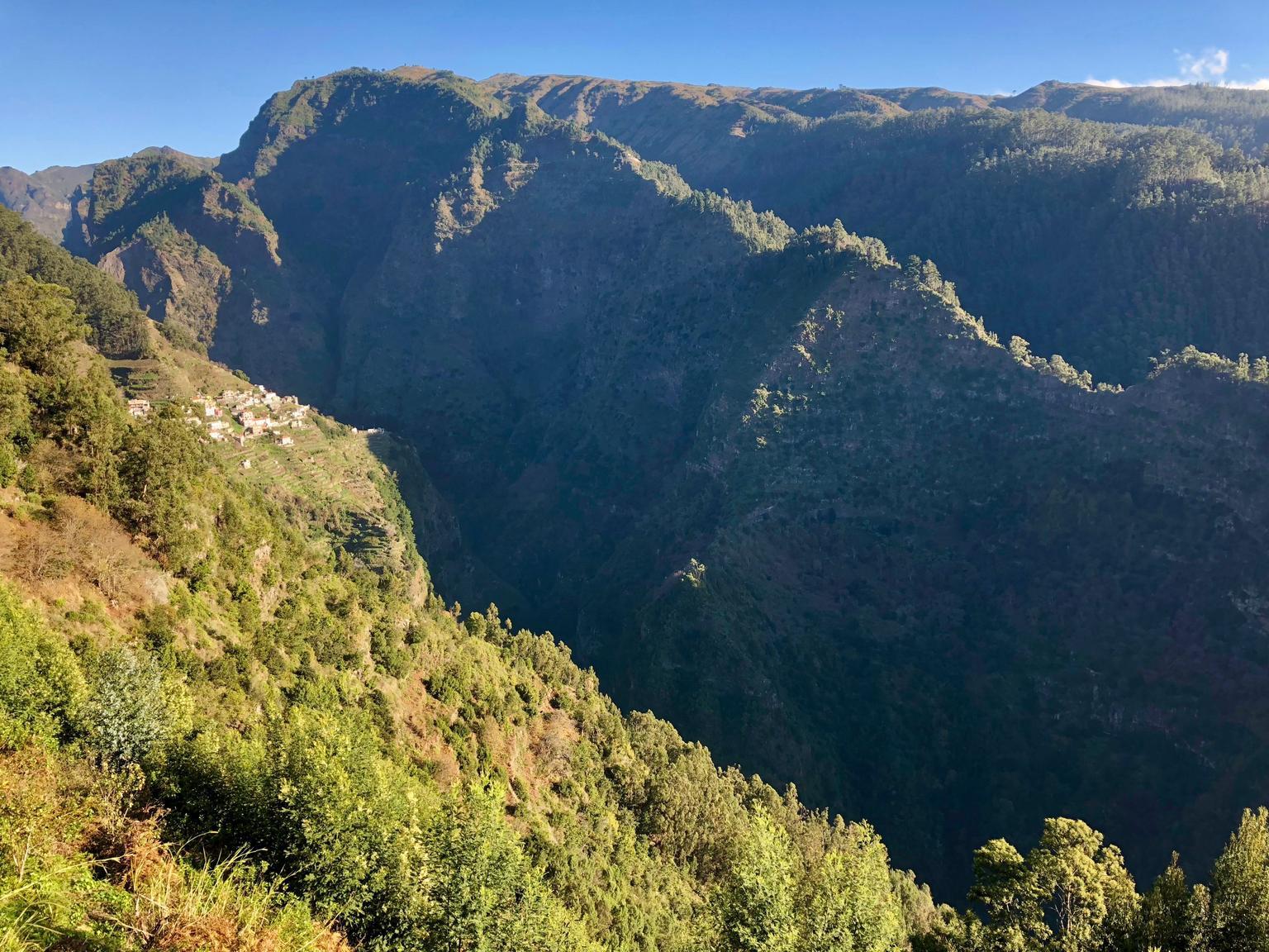 MÁS FOTOS, Impresionante recorrido en 4x4 descapotable hasta un mirador panorámico, un desfiladero y los valles