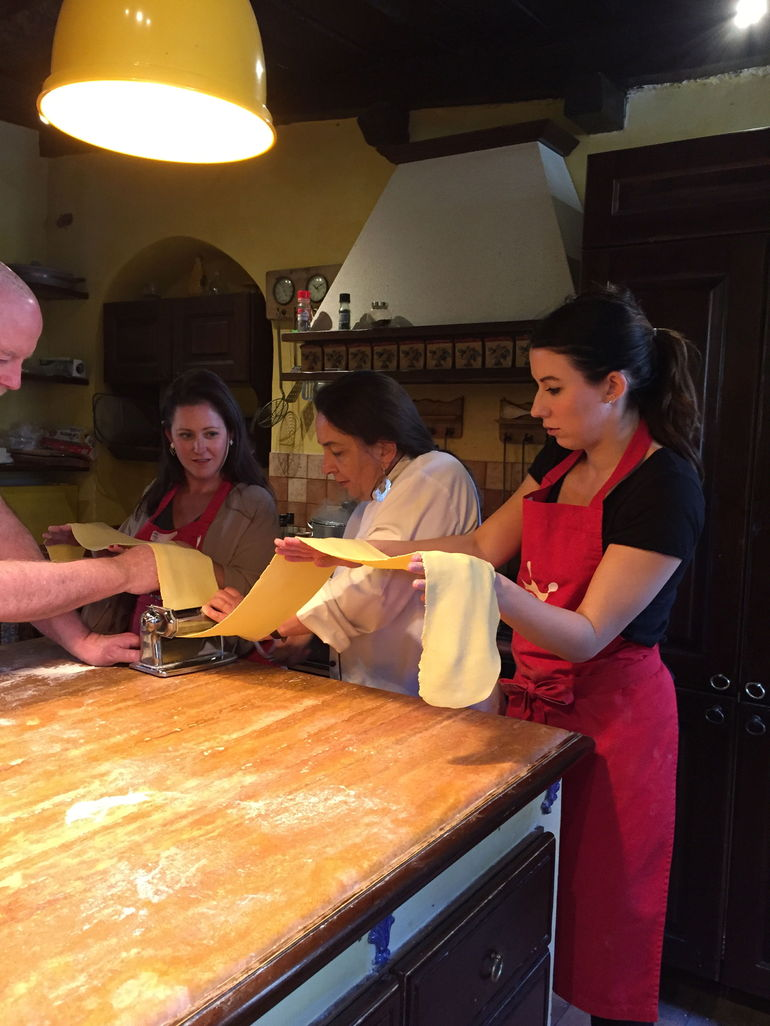 Small-Group Cooking Lesson in Roman Countryside photo 34