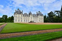 wonderful view of the private castle , donghenz - June 2012