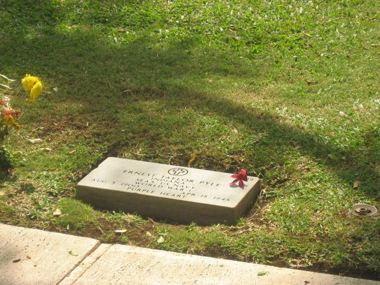 Ernie Pyle - Oahu