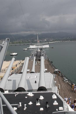 Mighty Mo looking towards the Arizona Memorial , Robin R - February 2011