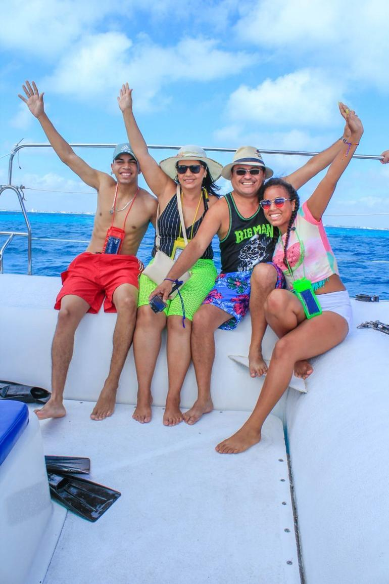 Isla Mujeres Catamaran Tour with Snorkel, Buffet lunch and Open Bar