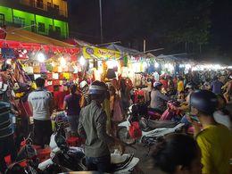 night market , Thuc N - January 2016