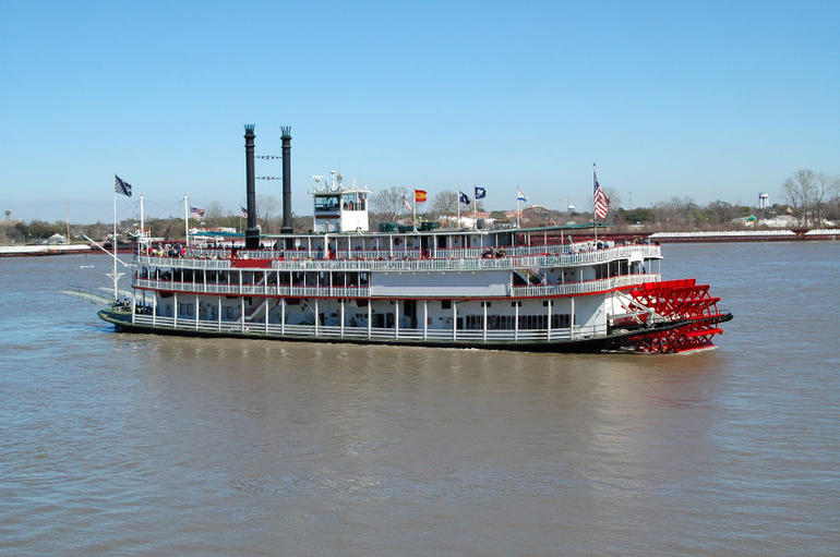 Paddlewheel Riverboat - New Orleans