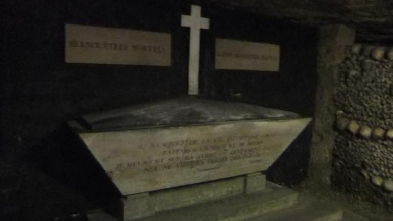 burial tomb - Paris
