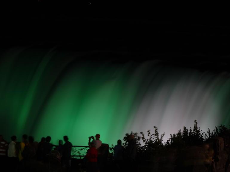 Niagara Falls Light show - Toronto