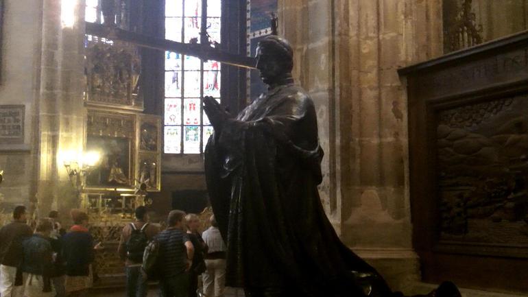 Prague Castle Walking Tour ViatorTravel - Prague