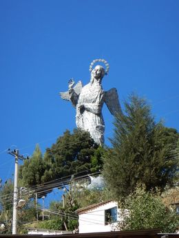 Virgin Mary monument on El Panecillo hill , bdsouza17 - August 2016