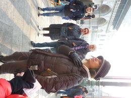 Uitstekend tourbegeleiding en goed verstaanbaar zowel engelstalig als franstalig. Eén minpuntje is dat de tour bijna een halfuur te laat begon. , Dorine D - December 2015