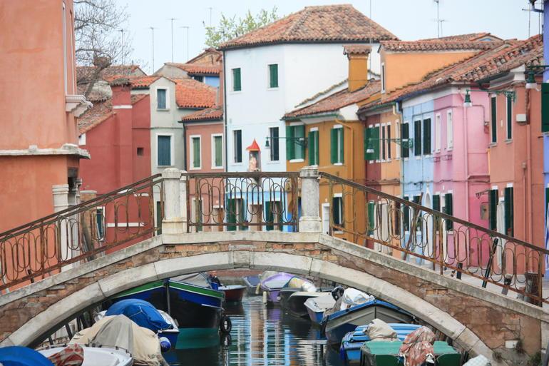 Venice Shore Excursion: Murano Glass and Burano Lace Tour - Venice