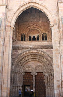 The entrance of the Basílica de San Vicente, Terence P - October 2010