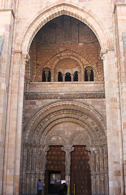 The entrance of the Basílica de San Vicente, Terence P - October 2010