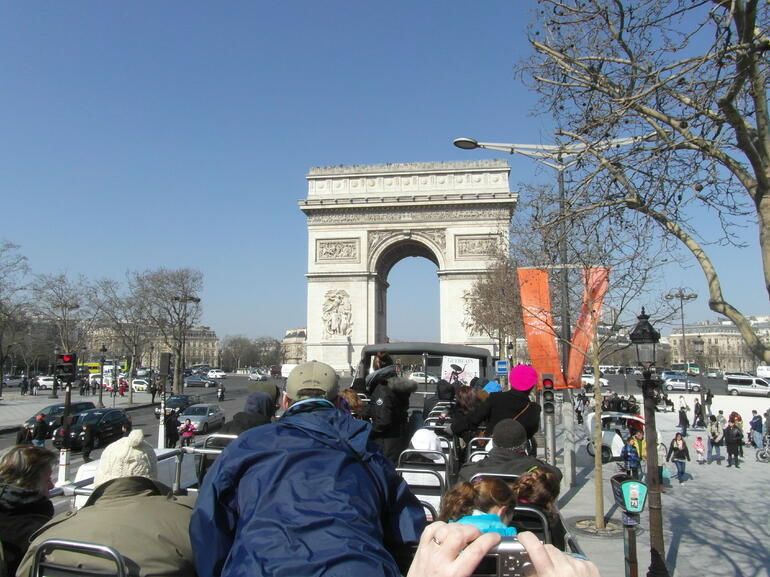 Champs -Elysees Richtung Arc de Triomphe !!! - Paris