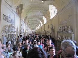 Voilà une image de la visite des musées du Vatican. Heureusement il y a en a d'autres ! , Bertrand P - May 2016