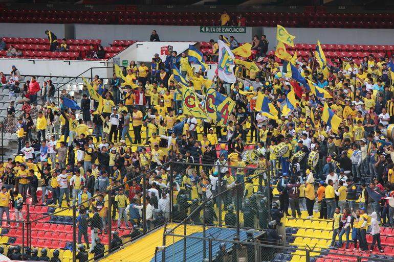 Fans - Mexico City